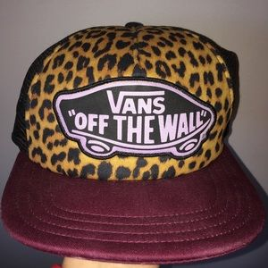 "Vans ""off the wall"" snapback"